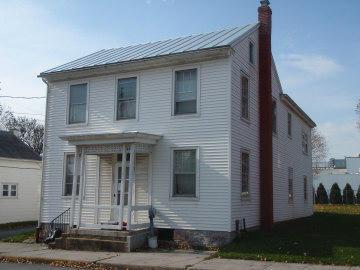 113 N Mechanic St, Fredericksburg, PA 17026
