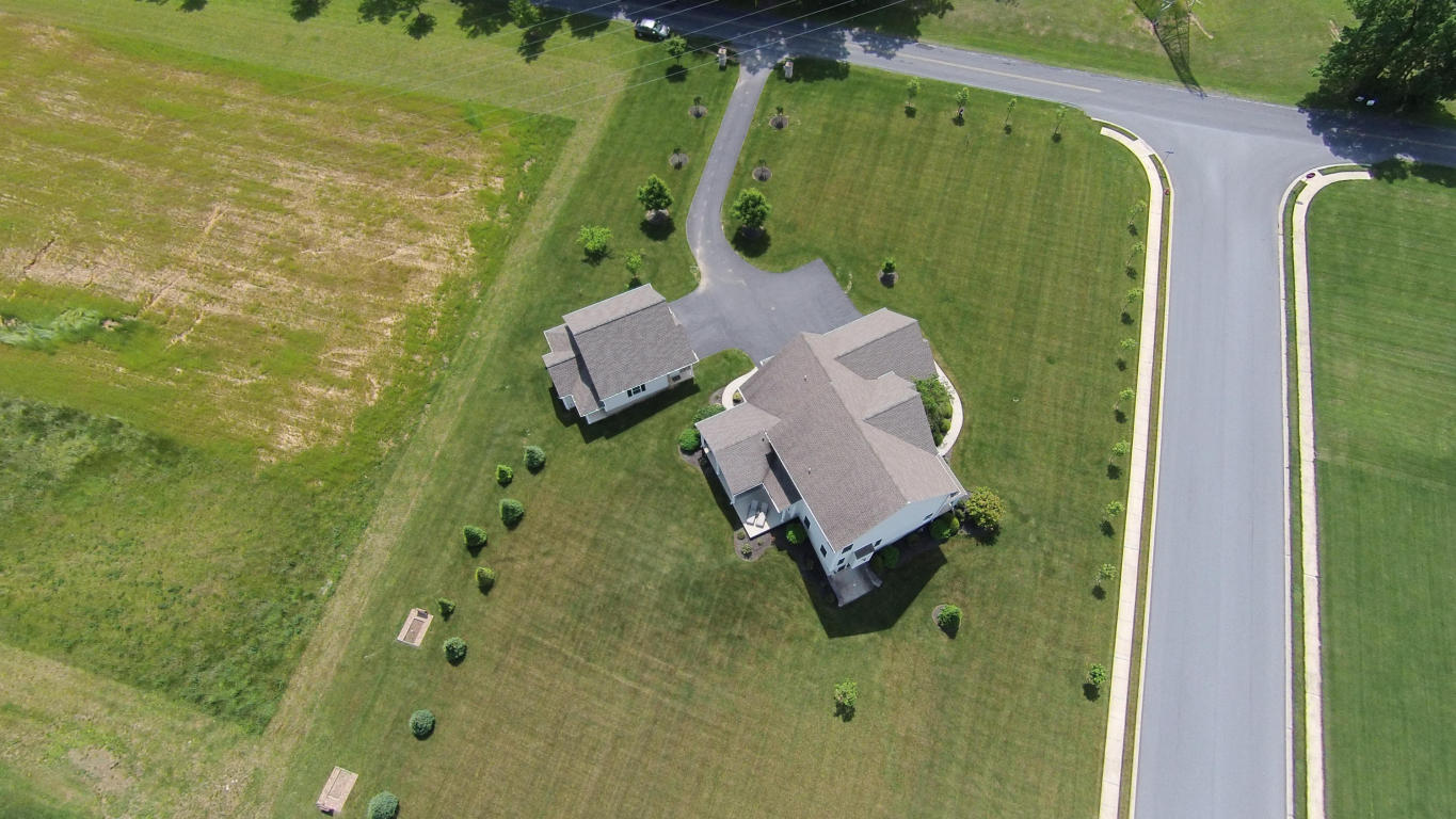 28 E Bethany Rd, Newmanstown, PA 17073