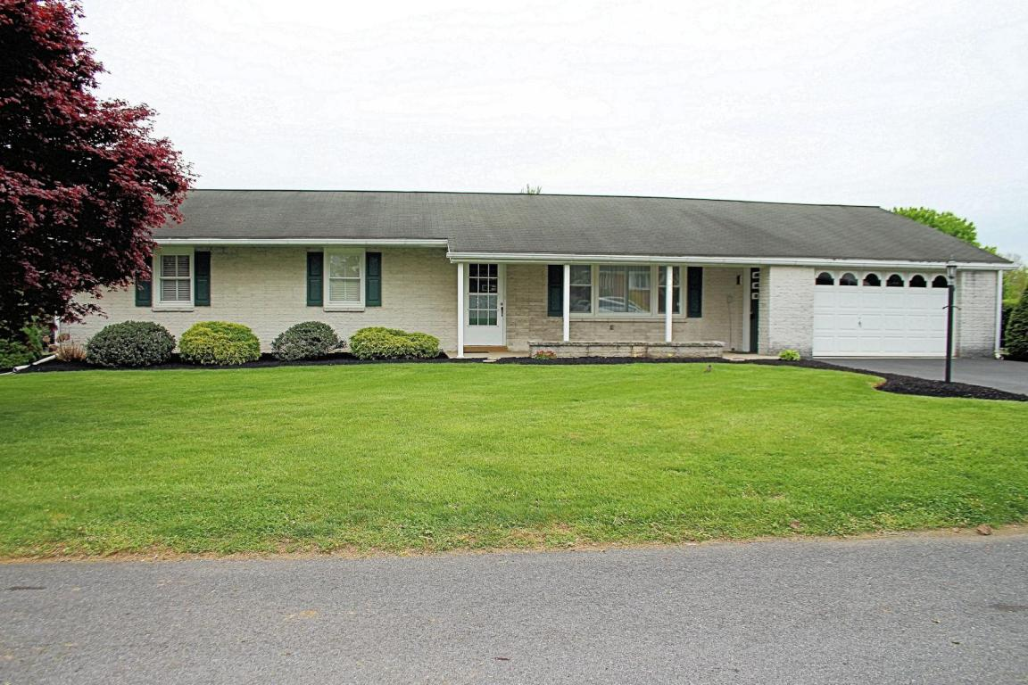 200 Reigerts Ln, Annville, PA 17003