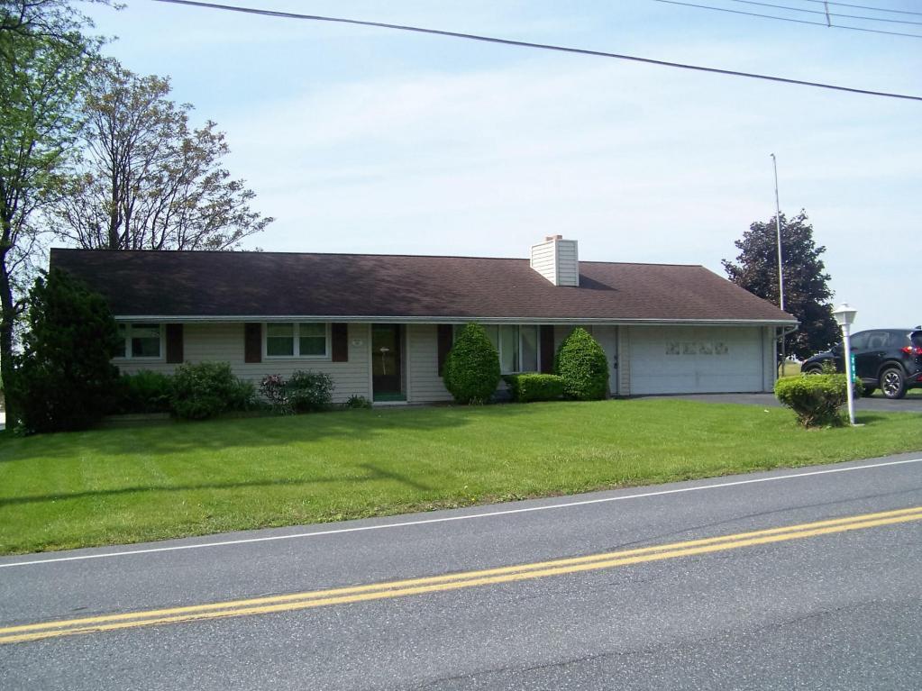 203 W Main St, Fredericksburg, PA 17026
