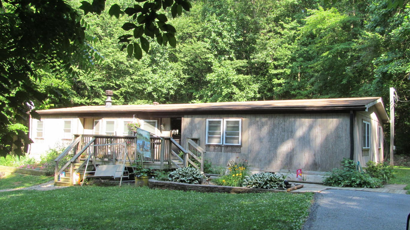 124 Woodcock Dr, Newmanstown, PA 17073