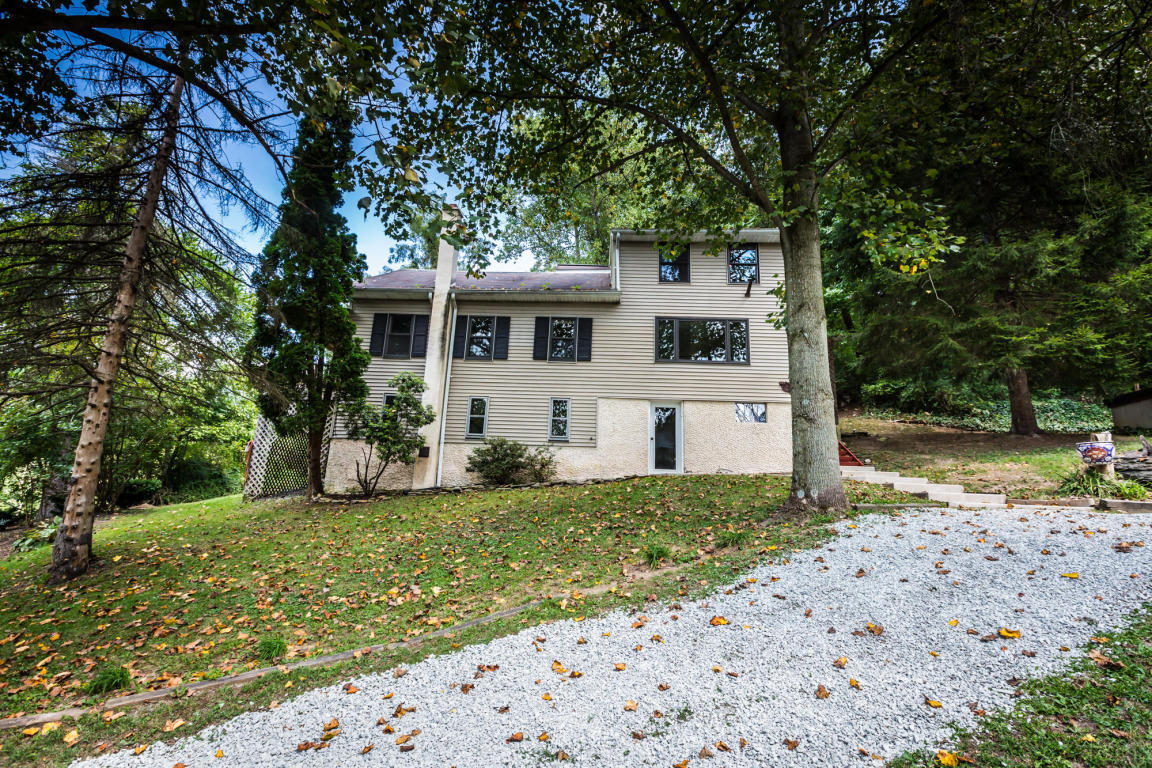 378 Bridge Valley Rd, Pequea, PA 17565