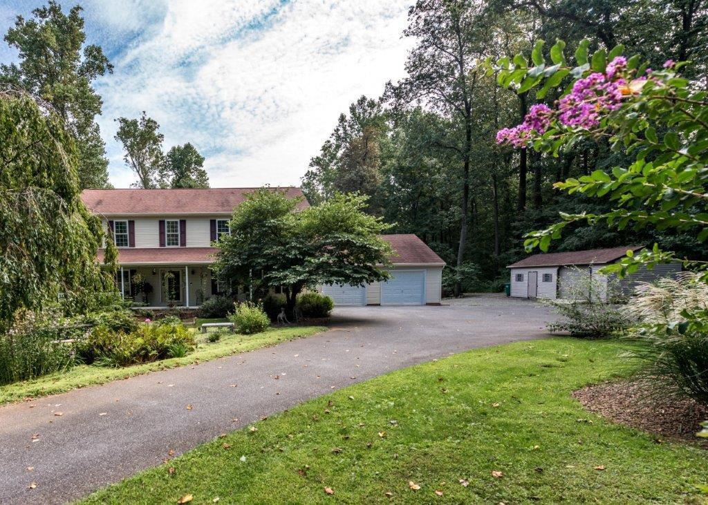 281 N Tanglewood Dr, Quarryville, PA 17566