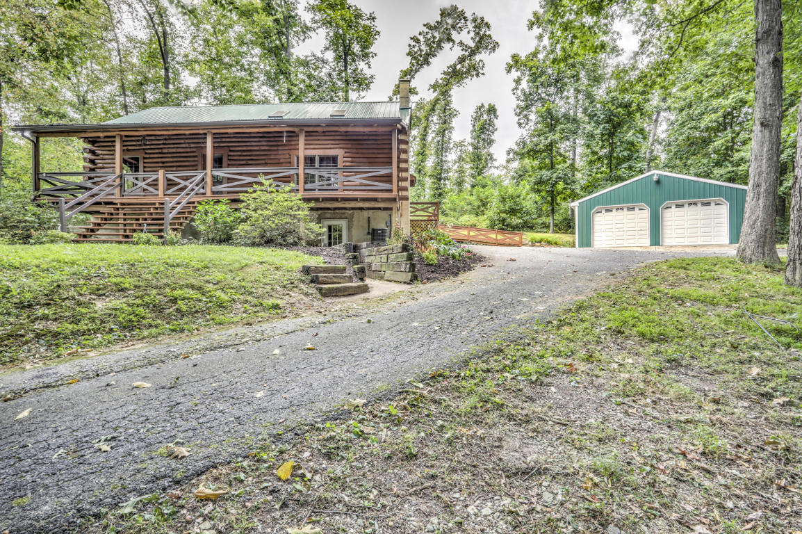 13 Upper Valley Rd, Christiana, PA 17509