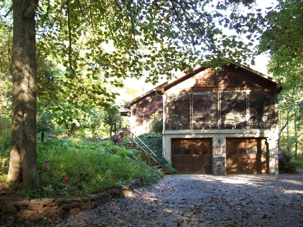 371 Michters Rd, Newmanstown, PA 17073