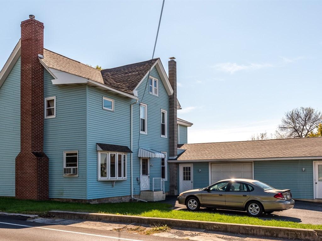 35 W Queen St, Stevens, PA 17578