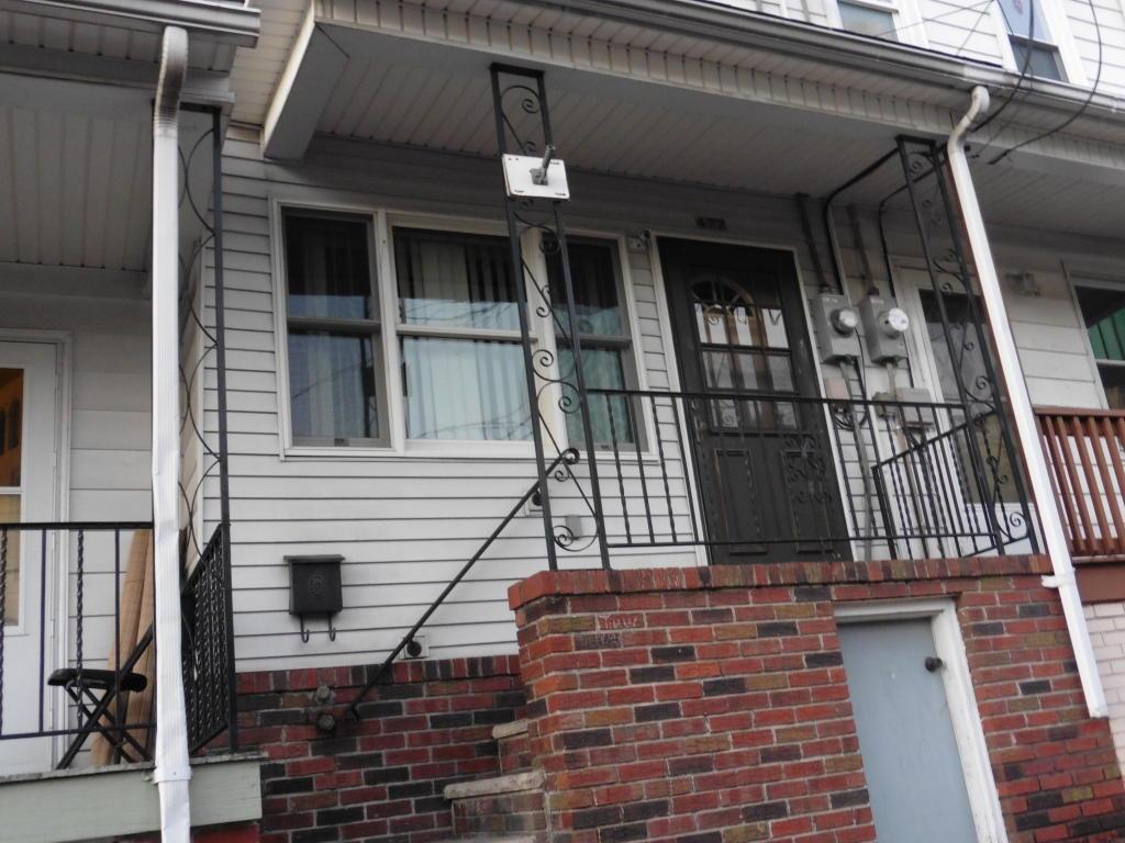 477 W Saylor St, Mount Carmel, PA 17851