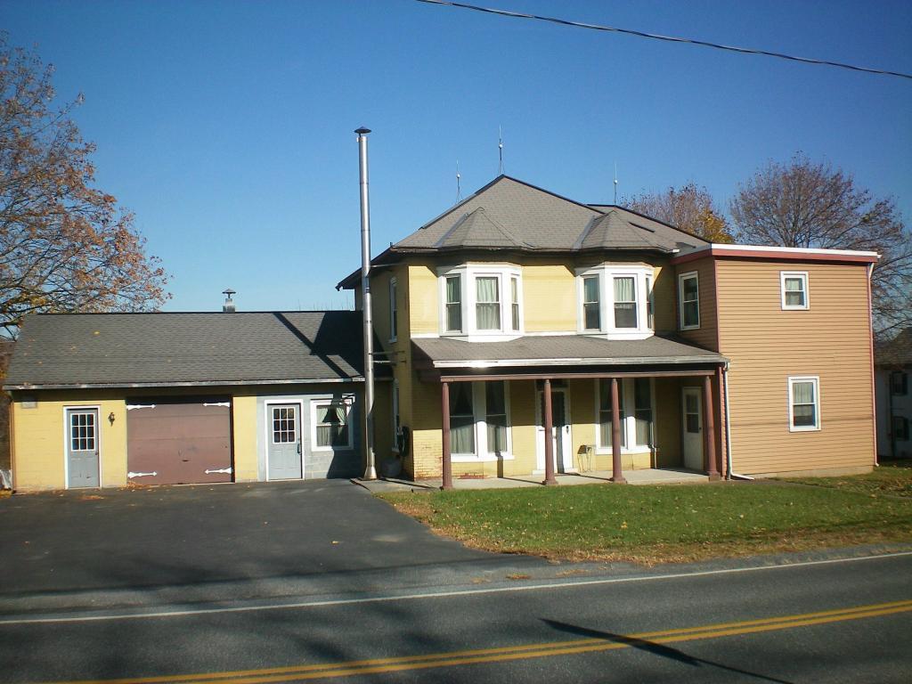 Photo of 178 N REAMSTOWN ROAD  STEVENS  PA