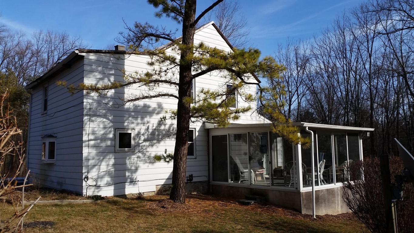 6221 Four Point Rd, Bethel, PA 19507