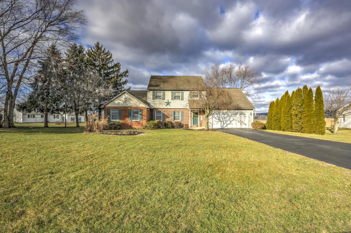 75 Rose Dr, Reinholds, PA 17569