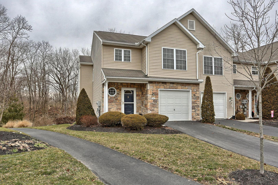137 Woodside Ct, Annville, PA 17003