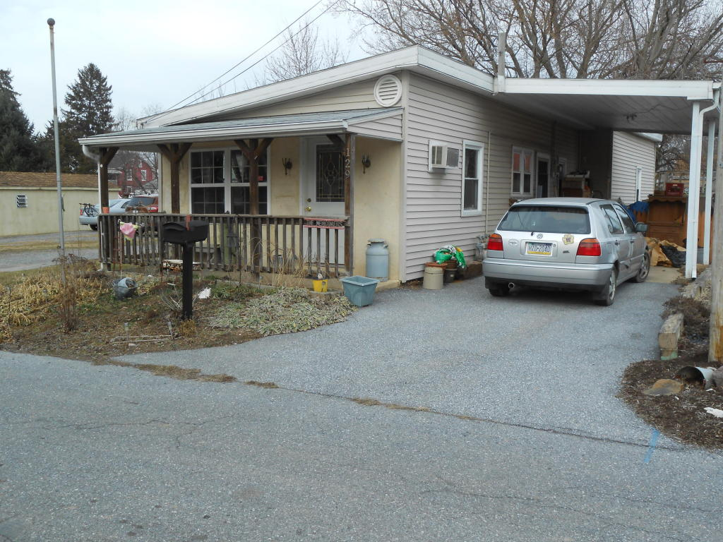 Photo of 129 N HART STREET  MANHEIM  PA