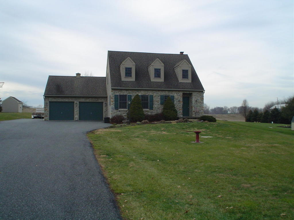 1804 Mansion Ln, Mount Joy, PA 17552