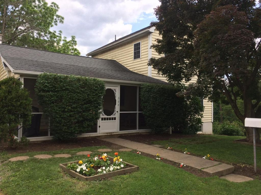 Photo of 308 SPRING DRIVE  MILLERSVILLE  PA