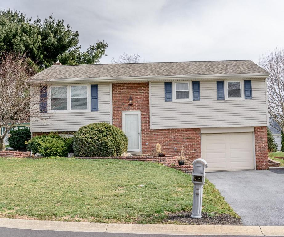 Photo of 329 BARBERRY DRIVE  LANCASTER  PA