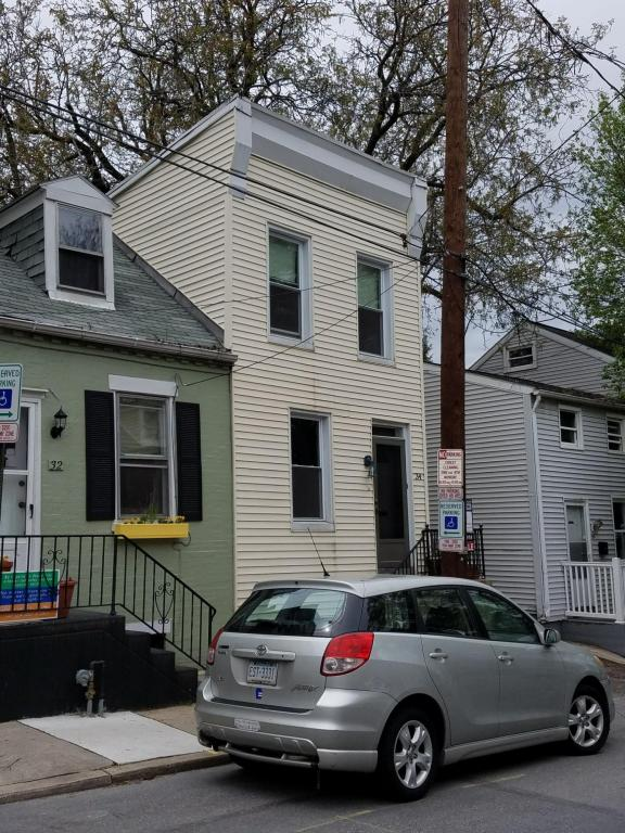 Photo of 34 N MARY STREET  LANCASTER  PA
