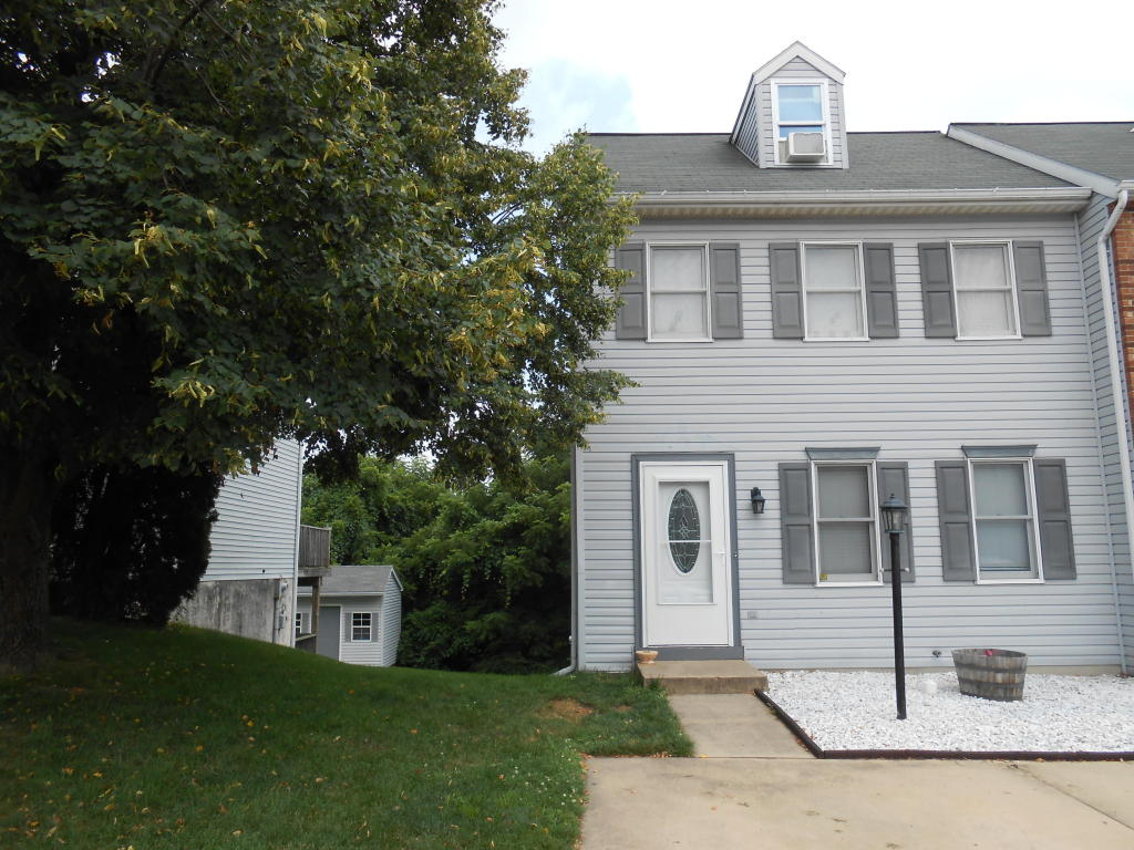 Photo of 229 HEATHERWOOD DRIVE  EPHRATA  PA