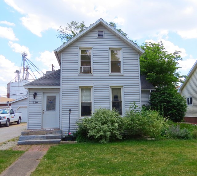 Photo of 120 John St  Forrest  IL