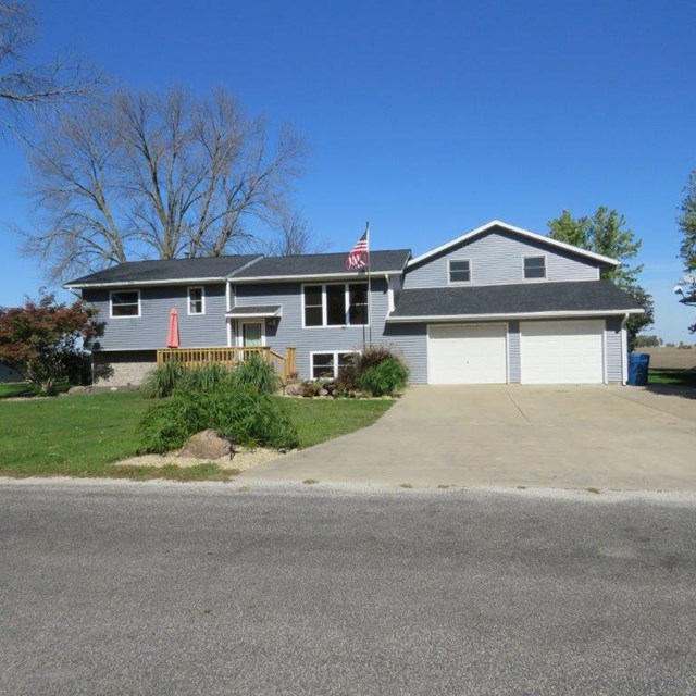 Photo of 308 Ririe Place  Flanagan  IL