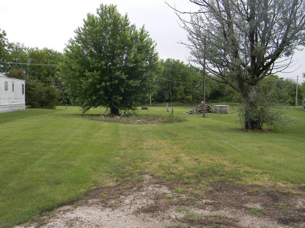 312 Deer Odell, IL 60460