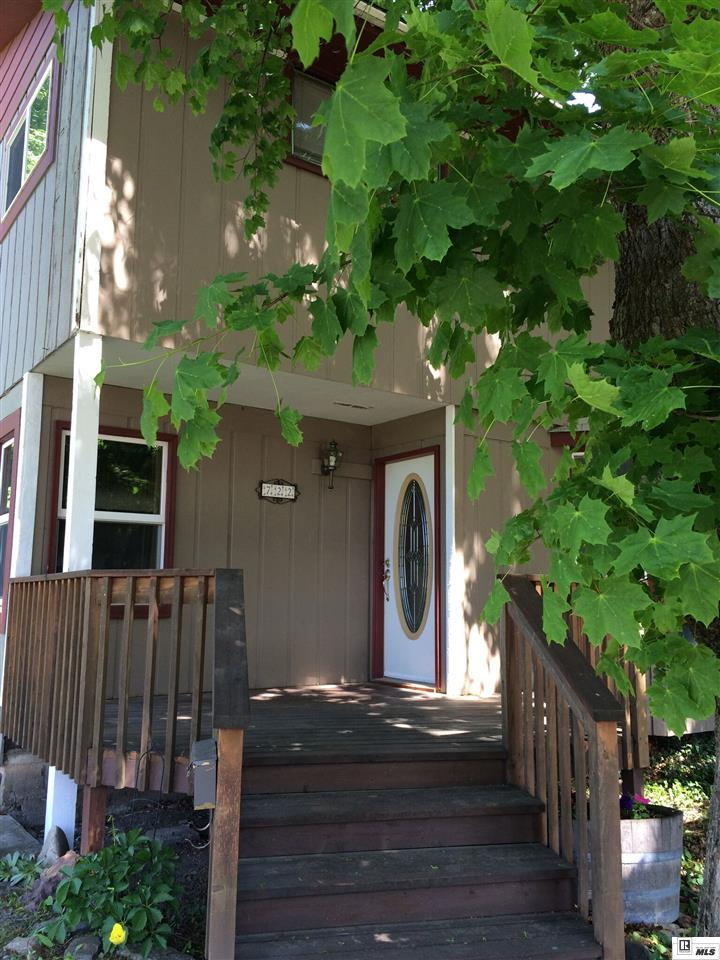 722 Lewis St, Moscow, ID 83843