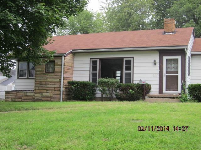 315 N Logan St, Mason City, IL 62664