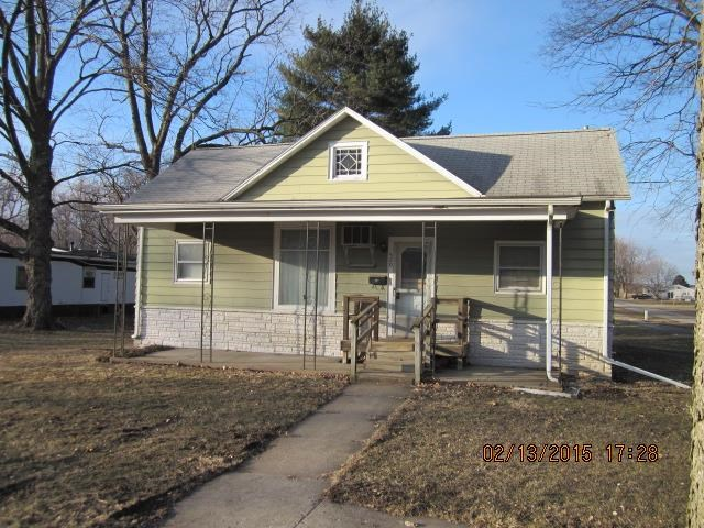 520 E Walnut St, Mason City, IL 62664