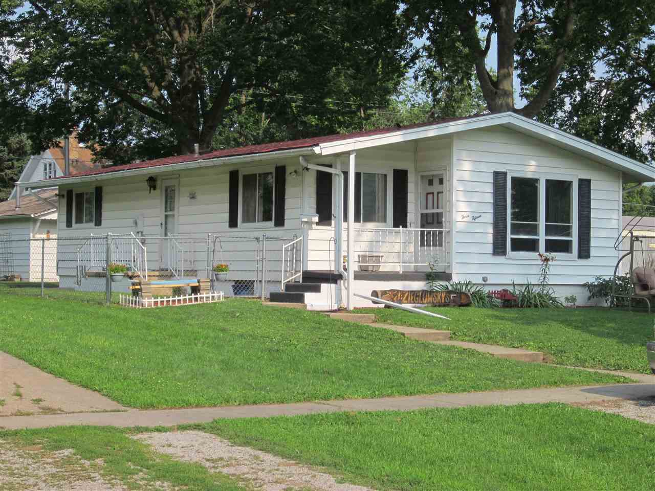 315 S Logan St, Mason City, IL 62664