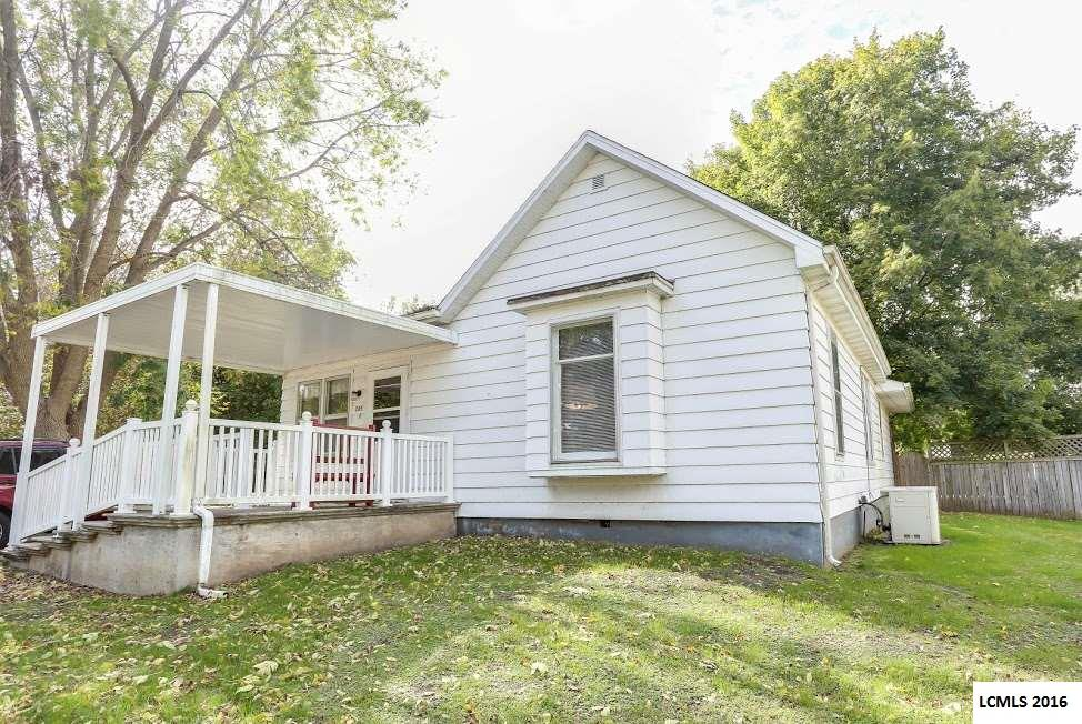 Photo of 305 N Clinton Street  Middletown  IL