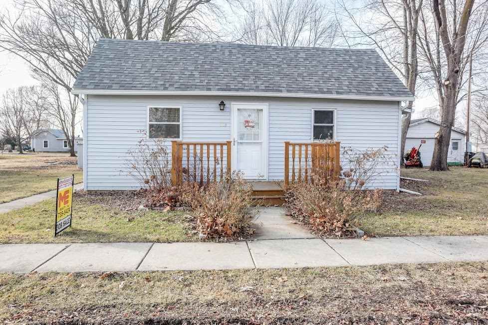 Photo of 603 N Madison Street  Middletown  IL