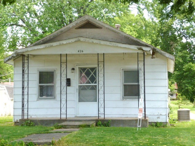 Photo of 426 9th Street  Lincoln  IL