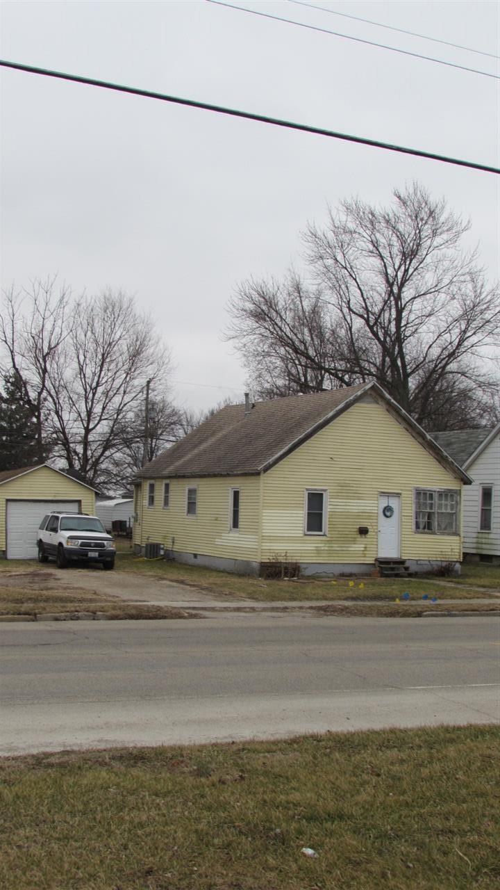 Photo of 1422 N Kickapoo Street  Lincoln  IL
