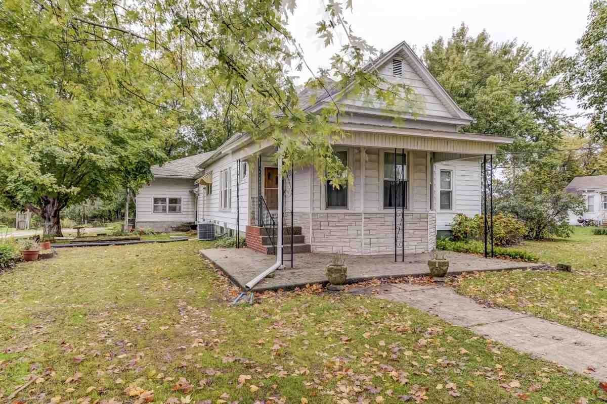 Photo of 107 S Anson Street  Middletown  IL