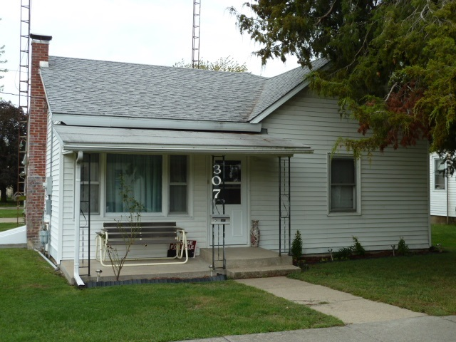 Photo of 307 S Madison Street  Middletown  IL