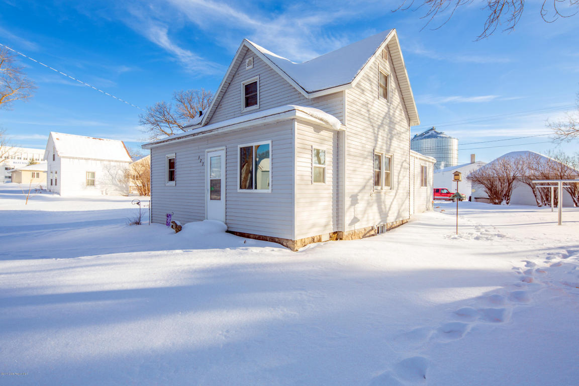 Photo of 323 NW Terrace Drive  Rothsay  MN