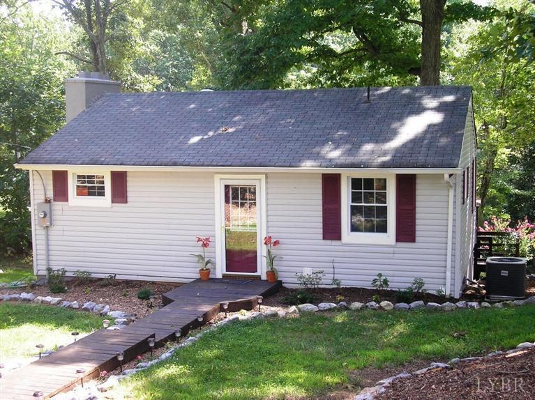 1310-1320 Wildflower Ln, one of homes for sale in Smith Mountain Lake