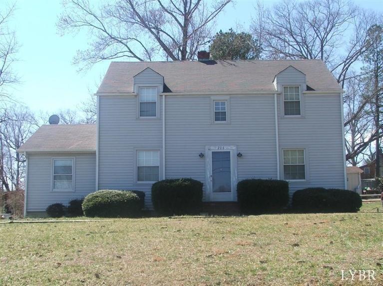 206 Southeast St, Brookneal, VA 24528