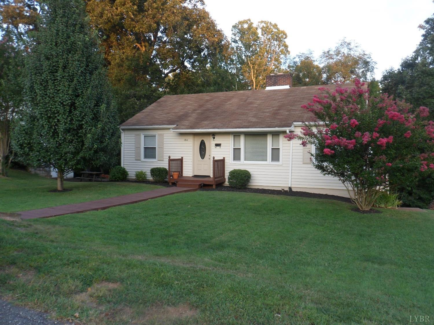 Photo of 1811 Sunset Drive  Altavista  VA