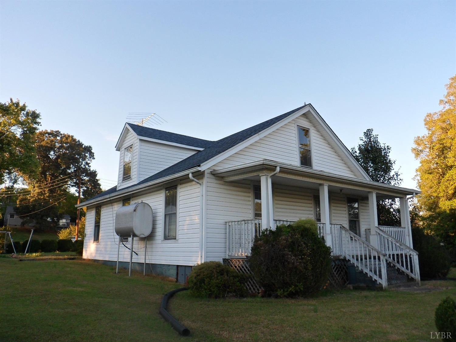 Photo of 1028 8th Street  Altavista  VA