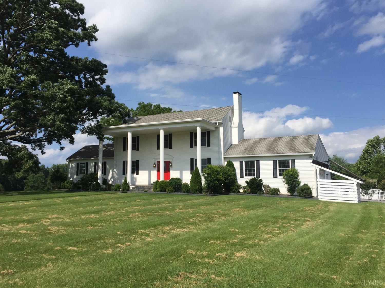 Two Story, Single Family - Bedford, VA (photo 1)