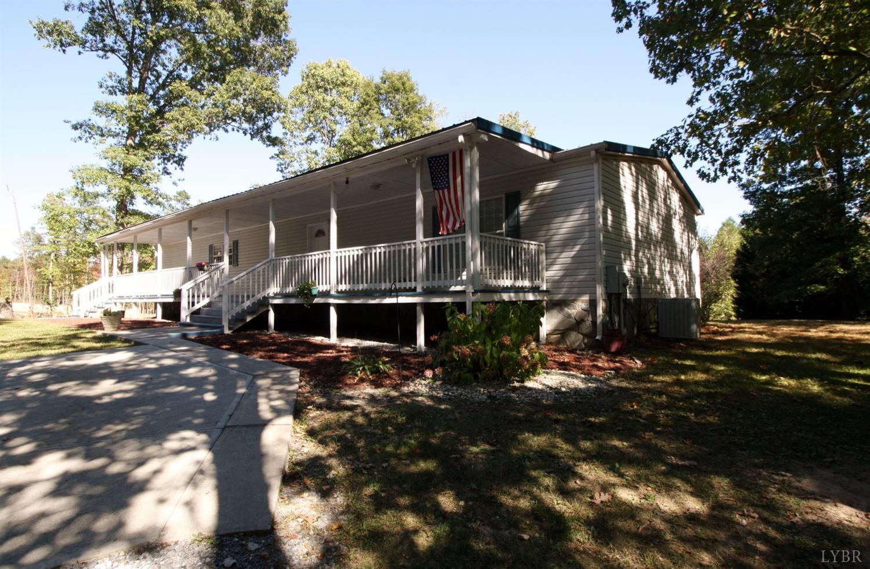1154 Deer Ridge Lane Thaxton, VA 24174