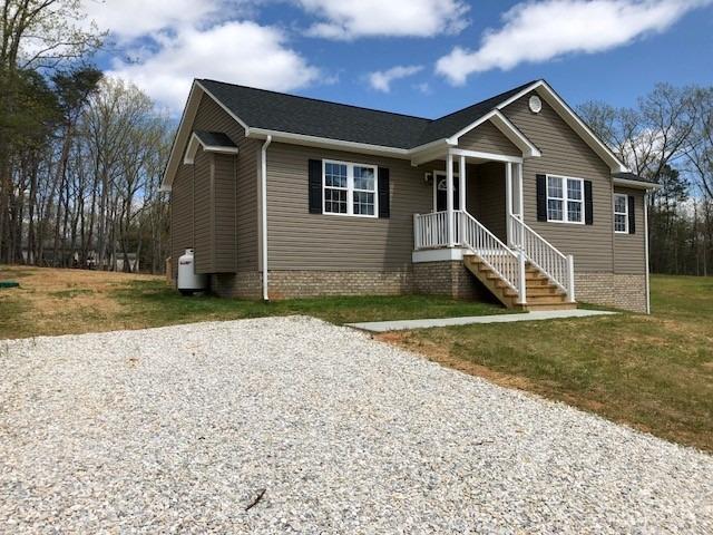 638 Oakville Road Appomattox, VA 24522