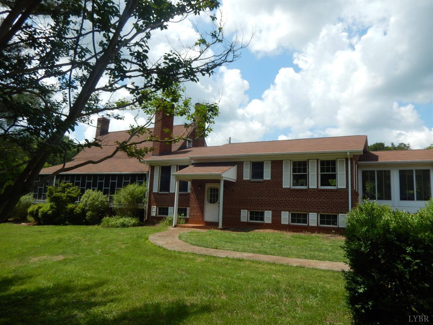 6313 Bedford Highway Lynch Station, VA 24571