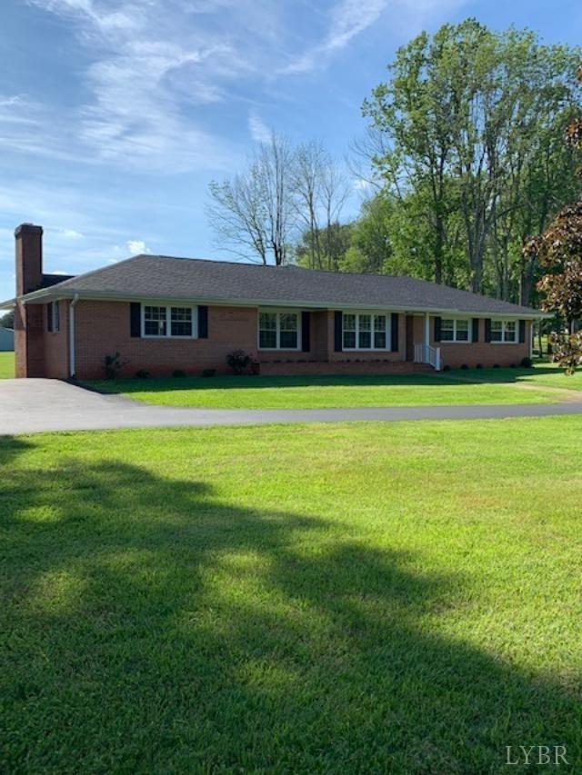 620 Woodlawn Trl Appomattox, VA 24522
