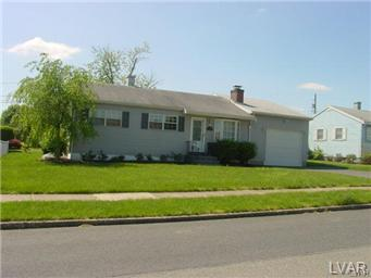 Rental Homes for Rent, ListingId:26122674, location: 2119 Dogwood Lane Bethlehem 18018