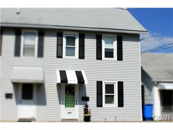 Rental Homes for Rent, ListingId:31049000, location: 215 Penn Street Topton 19562