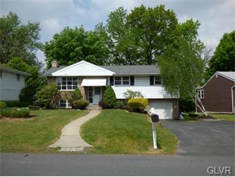 Rental Homes for Rent, ListingId:34493861, location: 2751 Stonewood Drive Hanover Twp 18706