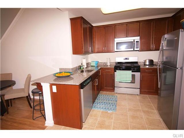 Contemporary, Apartment Style - Bethlehem Twp, PA (photo 5)