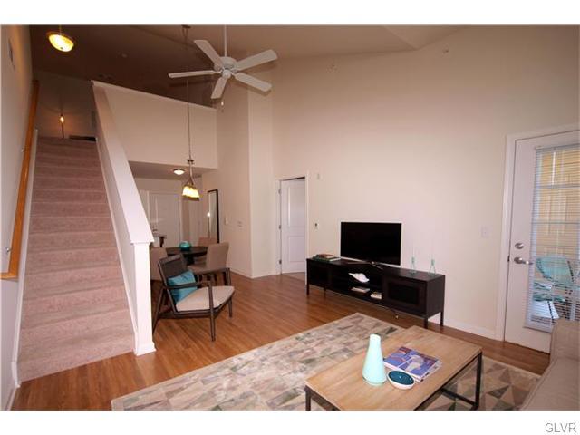 Contemporary, Apartment Style - Bethlehem Twp, PA (photo 4)