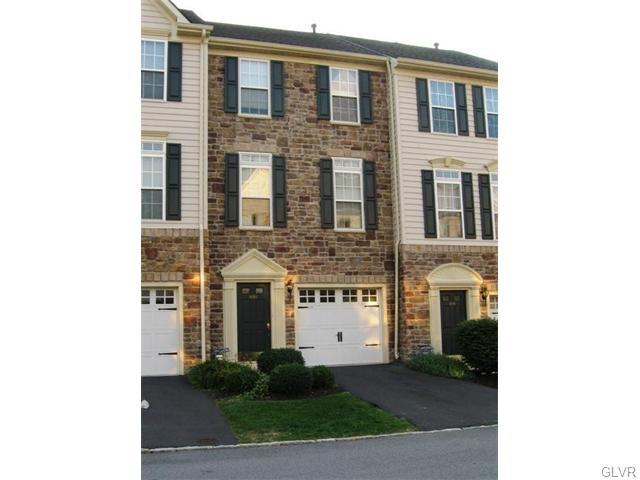 Rental Homes for Rent, ListingId:36042105, location: 1620 Oakridge Lane Hellertown 18055